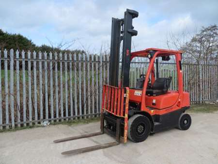2009 Hyster Counter Balance 2.0 Forklift