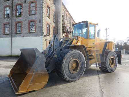 2004 Volvo L150E Loading Shovel