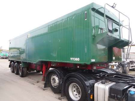 2007 Wilcox Tri Axle Tipping Trailer