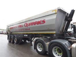 2012 KELBERG TRI AXLE TIPPING TRAILER